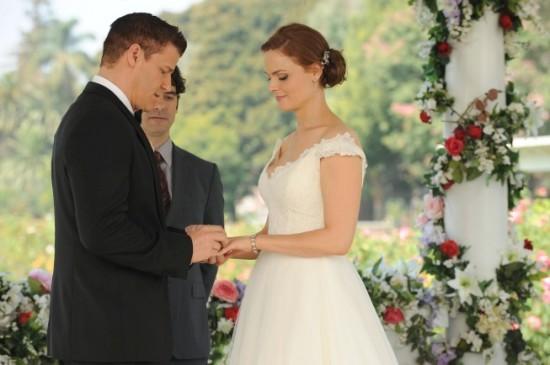 Bones-Season-9-Episode-6-The-Woman-in-White-7-550x365